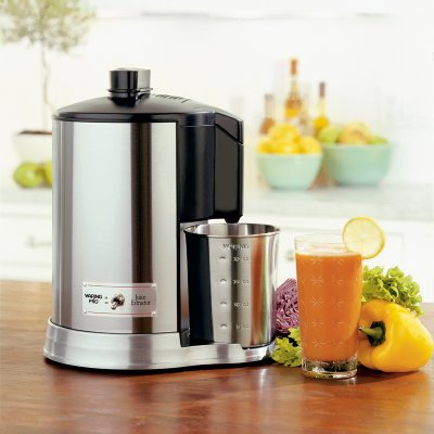 Waring JEX328 Professional Brushed Juicer