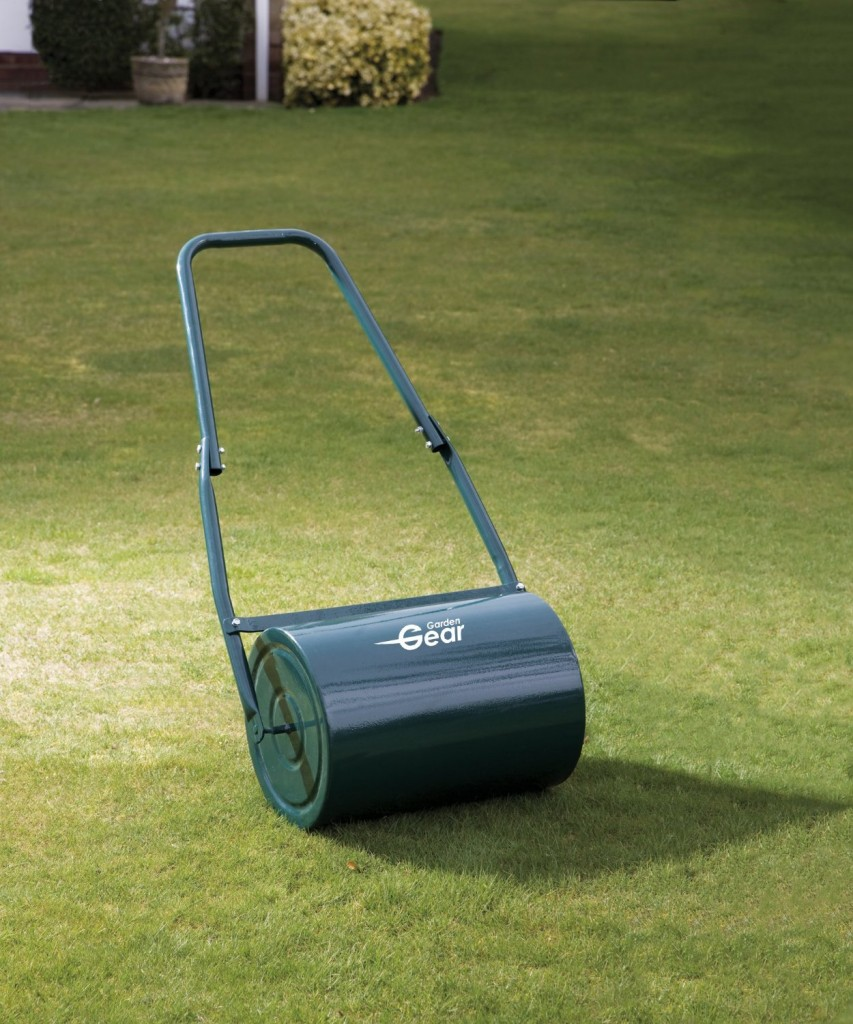 New Galvanised Garden Steel Lawn Roller 30 Litre Drum Scraper Bar & Collapsible Handle Create a Lawn Worthy of a Bowls Green
