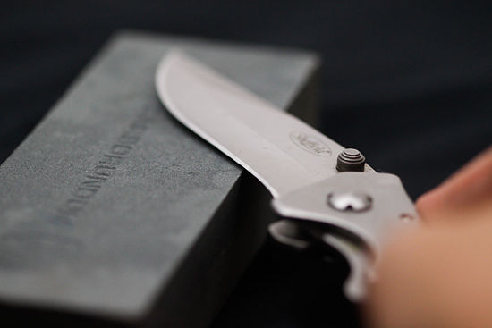 how to sharpen a box cutter