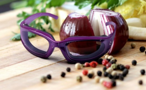 Onion Goggles - No more tearing, stinging, irritated eyes when slicing onions