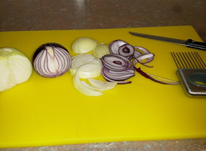 onion-holder-an-essential-in-any-kitchen