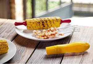 corn-holders-eating-corn-is-so-much-easier-now
