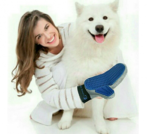 pet-grooming-glove-brush-make-grooming-enjoyable-for-your-pet