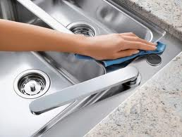 Different ways of cleaning stainless steel