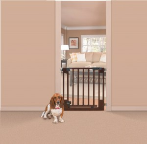 Summer Infant Walk Thru Gate - Your child's great protector