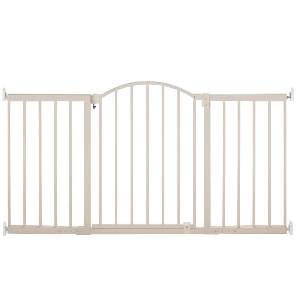Metal Expansion Gate