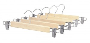 5 Best Wood Skirt Hangers – Give your closet the organization and space that you need