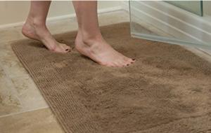 cotton-bath-mat-treat-your-feet-right